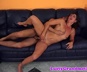 Mature cocksucker beauty gets pounded
