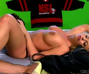 Tyger Biggs eats and bangs awesome blonde chick Brittany Amber in the dorm room